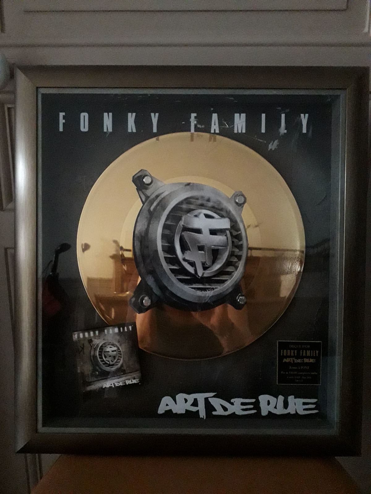 Disque d'or FONKY FAMILY ART DE RUE